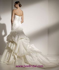 Mercadal from the back by Pronovias