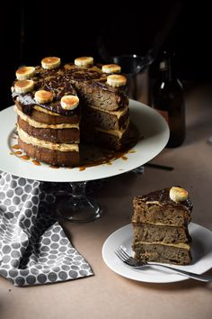 Chocolate Chip Banoffee Cake w/Caramel Buttercream | gringalicious.com