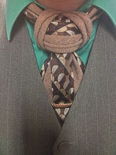A bit of layering with 2 ties. This time, I've layered the blade to give it a unique look.