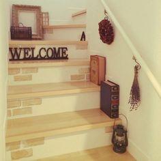 階段もオシャレ空間にしちゃおう!3つのステキ活用術 - Locari(ロカリ)
