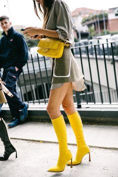 Men street styles 35677022037079297 - The Best Street Style From Milan Fashion Week Source by Rihanna Street Style, Model Street Style, Berlin Street Style, Best Street Style, Street Style Summer, European Street Style, Italian Street Style, Nyc Fashion, Milan Fashion Weeks