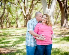 Sweet couples maternity pose » Blog