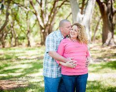 Sweet couples maternity pose » Blog