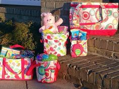 Easter Ideas :) Look up on FB and ask how how you can get these cute ideas and more!  http://www.mythirtyone.com/385599