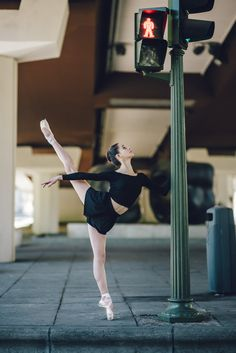 Dance Photography Poses, Dance Poses, Illusions, Ballet Skirt, Urban, Workout, Cool, Inspiration, Stitches