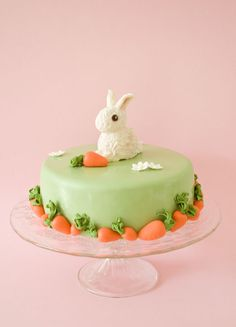 Kids are going to love eating this bunny birthday cake - 10 Easy Easter Treats… Bunny Birthday Cake, Easter Bunny Cake, Easter Treats, Bunny Cakes, Rabbit Cake, Chocolate Bunny, Chocolate Covered Strawberries, Pretty Cakes, Easter Recipes