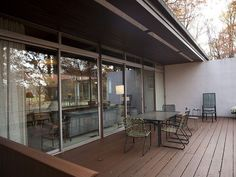 Designed by prolific modernist legend and one-time Simpsons reference Richard Neutra, the Pitcairn House enjoys a few perks that Neutra's urban designs forego; complete privacy, for one, and...