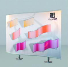 MAX UP - Struttura in alluminio anodizzato con un unico telo. In versione monofacciale o bi-facciale assicura grande visibilità e ingombro minimo. Le colonne, le base e il kit di sostegno della grafica sono componibili per permettere l'agevole stivaggio e trasporto. E' possibile affiancare più strutture per creare un muro di immagini, una parete divisoria o uno stand. Dimensioni struttura: L. 300 x H. 225 x 30 cm prof. – Peso 32 kg H. 250 su richiesta