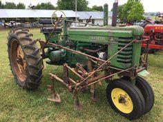 Antique Tractors, Vintage Tractors, Vintage Farm, Jd Tractors, John Deere Tractors, John Deere Equipment, Old Farm Equipment, Tractor Implements, Mean Green