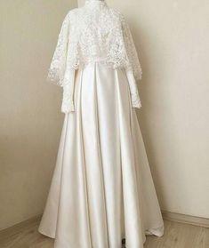 New Dress Brokat White Ideas Source by dsweetdreamer brokat Source by jazminecoconnorjazmine brokat Muslimah Wedding Dress, Muslim Wedding Dresses, Muslim Brides, Wedding Hijab, Muslim Dress, Dress Wedding, Hijab Gown, Hijab Dress Party, Dress Brokat