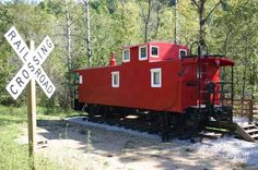 De Soto Vacation Rental 1954 Rail Road Caboose with Hot Tub $150/night