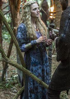 Vikings (2013) - Maude Hirst - Helga
