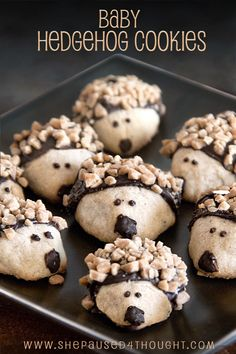"I know, I know--these are almost too cute to eat, but notice I said ""almost."" Make someone's week by baking these unbelievably adorable shortbread cookies which look like baby hedgehogs. Easy step by step directions are included. FULL RECIPE HERE Shortbread Recipes, Cookie Recipes, Shortbread Cookies, Cookie Ideas, Hedgehog Cookies, Bento, Sticky Toffee Pudding, Kinds Of Cookies, Tea Cookies"