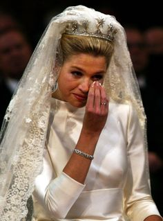 Princess Máxima of the Netherlands, wearing the Dutch Star Tiara She is now Queen as her husband became king when his mother stepped down as Queen. Royal Wedding Gowns, Royal Weddings, Wedding Dresses, Royal Tiaras, Tiaras And Crowns, Estilo Real, Dutch Royalty, Royal Brides, Royal Jewelry