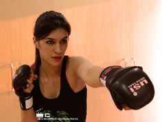 Gorgeous Kriti Sanon learning Karate for Akshay Kumar's Singh Is Bling   BoxOfficeCollections