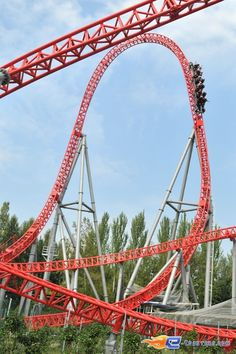 36/37 | Photo du Roller Coaster Ispeed situé à Mirabilandia (Italie). Plus d'information sur notre site http://www.e-coasters.com !! Tous les meilleurs Parcs d'Attractions sur un seul site web !! Découvrez également notre vidéo embarquée à cette adresse : http://youtu.be/UV_CN0pcxyU