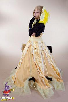 http://orig08.deviantart.net/ccdf/f/2012/309/8/4/cosplay_rin_kagamine_daughter_of_evil_by_kellykimberly-d5k1vzn.jpg