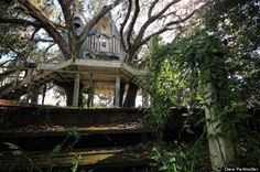 Drew Perlmutter - Abandoned Treehouse Mansion - 2012-2013