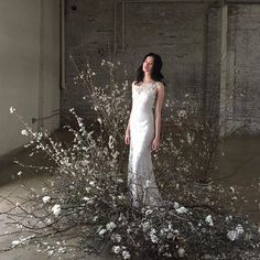 The latest wedding trend is nebulous, airy and levitational designs… and we are OBSESSED! Dried florals, branches, kokedama and frozen in time design ideas, so much to love Wedding Trends, Wedding Designs, Wedding Styles, Floral Wedding, Wedding Flowers, Flower Installation, Floral Arrangements, Wedding Ceremony, Marie