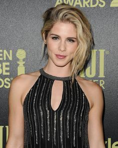 #Arrow Emily Bett Rickards(Felicity),that smile.. ^-^ - The wolf that kills
