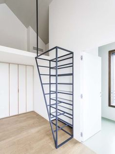 Fragments of architecture: Villa di Pianura / deamicisarchitetti Loft Stairs, House Stairs, Modern Family, Home And Family, Architecture Renovation, Stair Handrail, Railings, Stair Detail, Stair Decor
