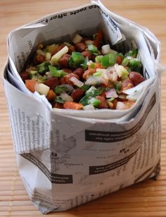 Streetside Kala Chana Chaat from Indian Appetizers, Indian Snacks, Indian Food Recipes, Indian Salads, Veggie Appetizers, Mumbai Street Food, Indian Street Food, Healthy Recipes, Cooking Recipes