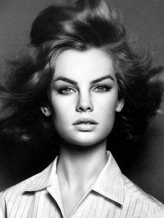 Beauty Icon: Jean Shrimpton, London Swinging model in the 60s