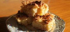Apple Pie Slice Recipe Only 5 Ingredients Video Tutorial Quick Apple Dessert, Apple Desserts, Apple Recipes, No Bake Desserts, Easy Desserts, Sweet Recipes, Baking Recipes, Cake Recipes, Snack Recipes
