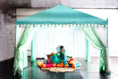 Love Indian Wedding fashion & all those pillows