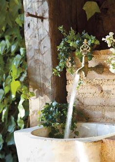 ❥ natural, rustic style water feature