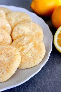 Sitruunakeksit Lemon Crinkle Cookies, Home Bakery, Monkey Business, Brownie Cookies, Love Chocolate, Something Sweet, Crinkles, Wicked, Bread