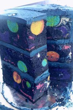 Un space cake, c'est pas toujours forcément ce qu'on pense. Celui-ci, par exemple, est totalement légal et bon à servir à des enfants !