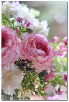 ♪ 春を一杯つめ込んで ~ ♪ ~ 「 え? 雑誌のインタビュー(ノ゚ο゚)ノ!? 」 の画像|シャビー&ナチュラル アーティフィシャルフラワーアレンジ 東京/田園調布 シャビーシック フレンチスタイル フラワー& フォト