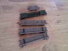 OO Gauge railway wagons / rolling stock OLD Flat bed wagons