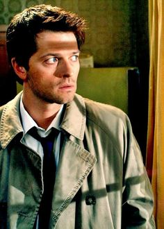 """castiel-counts-deans-freckles: """" drunkenwords: """" Misha Collins on his fan base """" I didn't know that Supernatural had such a strong fan base until after I joined the show, and yeah, it's kind of. Misha Collins, Dean And Castiel, Supernatural Destiel, Castiel Aesthetic, Netflix, The Cw, Superwholock, Beautiful Men, Fangirl"""