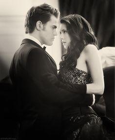 The Vampire Diaires - Elena Gilbert and Stefan Salvatore