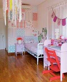 A escrivaninha no quarto de Maria, 6 anos, � dos anos 1930 e foi restaurada pela m�e, a publicit�ria Ana Cristina Demartini. As bandeirinhas s�o de uma festa de anivers�rio da menina