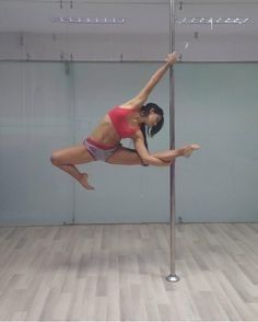 68 Ideas Pole Dancing Photography Art Flexibility For 2019 Pole Dancing Quotes, Pole Dancing Fitness, Pole Fitness Moves, Barre Fitness, Fitness Exercises, Workouts, Pole Dance Moves, Dance Poses, Aerial Dance