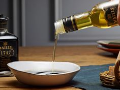 This Extra virgin oil is cold extracted from several varieties of olives: Aglandau, Bouteillan and Salonenque, harvested in controlled designation of origin Provence Extra Virgin Oil, Pure Argan Oil, Oils For Skin, Olive Oil, Skin Care, Make It Yourself, Pure Products, Olives, Provence