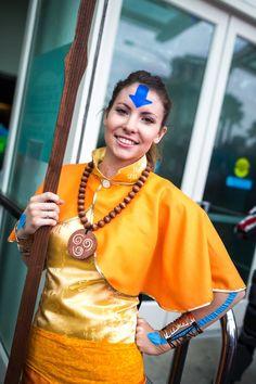 Rule 63 Aang (Avatar: The Last Airbender) cosplay. Avatar Cosplay, Epic Cosplay, Cosplay Dress, Amazing Cosplay, Cosplay Outfits, Anime Cosplay, Team Avatar, Avatar Aang, Avatar The Last Airbender