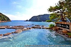 natural hot springs in Japan-Sennin-buro in Kawayu, southeast of Wakayama city, is a giant 73-degree Celsius pool right in the river. It's also Japan's biggest open-air bath.