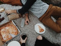 """""""/""""I love you. Eat, please.""""/""""Do you love me?""""/""""Would I have bought you a large pizza if I didn't? Eat your pizza, love. James Potter, Lily Potter, Harry Potter, Sirius Black, Les Miserables, Andre Harris, Wattpad, Storyboard, Nord England"""