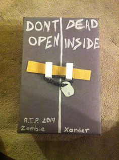 The Walking Dead Valentine box