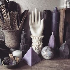 poisonappleprintshop: A small portion of the newly organized props I keep in the studio. Each morning I am greeted by these trinkets and we converse without words. I show them love and care, in return they provide me with endless inspiration. #artlove #poisonappleprintshop