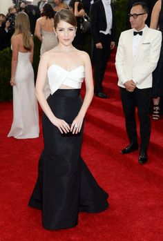 Anna Kendrick  at the Met Gala 2014 dress by Mendel. Simple and classic.