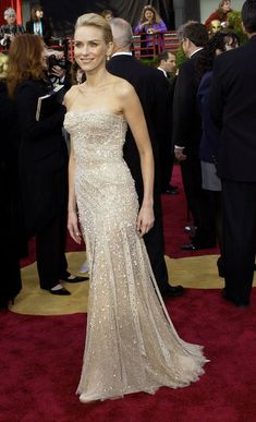 Naomi Watts in Versace Oscars 2004 - The Red Carpet Project - NYTimes.com
