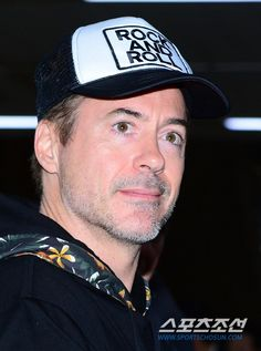 Robert Downey Jr. @Kimpo Airport, Korea, 2015.04.16