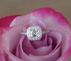 Tiffany & Co 0.72tcw F/VS2 Diamond & Platinum Legacy Engagement/Anniversary Ring
