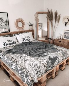 Adorable Pallet Bed Ideas You Will Love - Crafome Cute Bedroom Ideas, Room Ideas Bedroom, Home Decor Bedroom, Bed Ideas, Western Bedroom Decor, Bedroom Vintage, Room Design Bedroom, Bedroom Designs, Aesthetic Room Decor