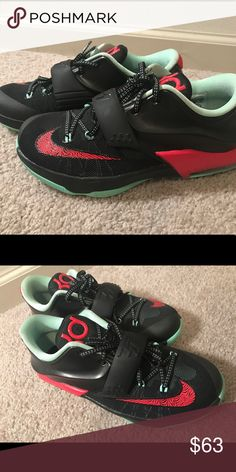Bad Apple KDs 6Y NO BOX. Never worn. 10/10 condition Nike Shoes Sneakers